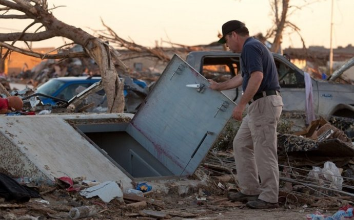 Tornado Family Safety Act Introduced to Help with Home Rebuilding
